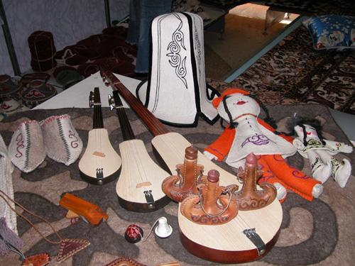 Typical Kyrgyz souvenirs and instruments